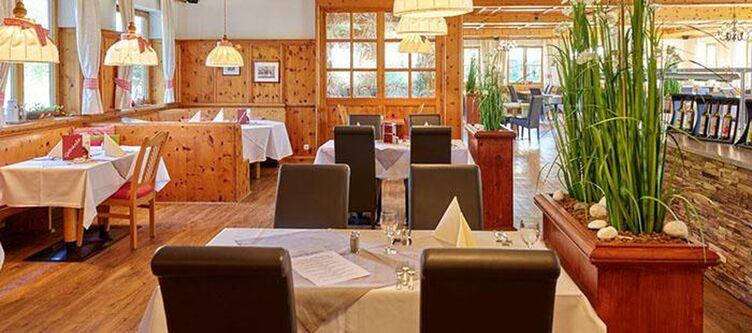 Dasfalkenstein Restaurant2