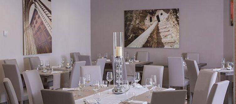 Dellerose Restaurant