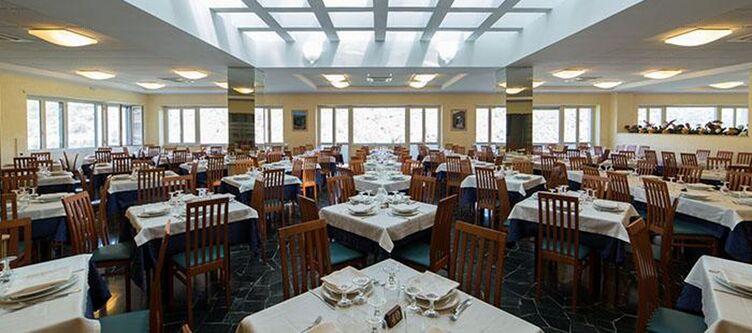 Dellerose Restaurant7