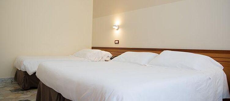 Dellerose Zimmer Standard2