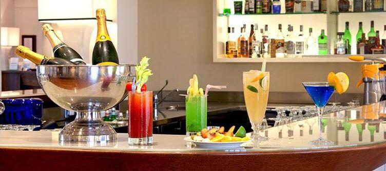 Demidoff Bar Cocktail