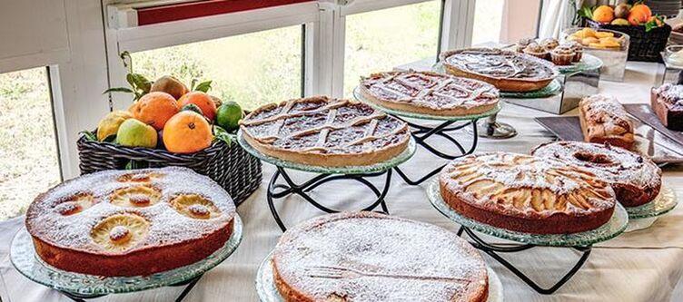 Demidoff Buffet Kuchen