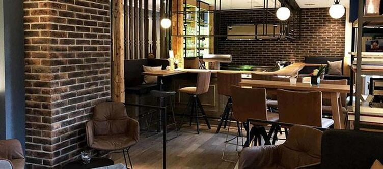 Diedrich Lounge