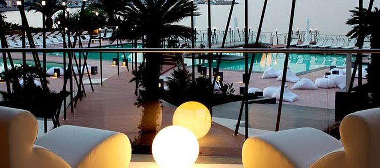 Domina Lounge Aussen