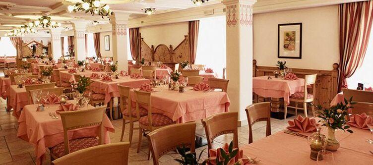 Domina Restaurant2 1