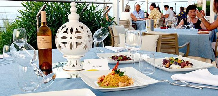 Domina Restaurant2