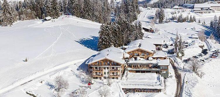 Edelweiss Hotel Winter
