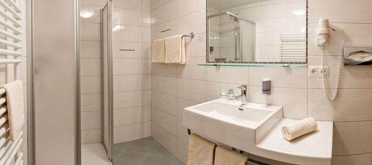 Edelweiss Zimmer Bad 1