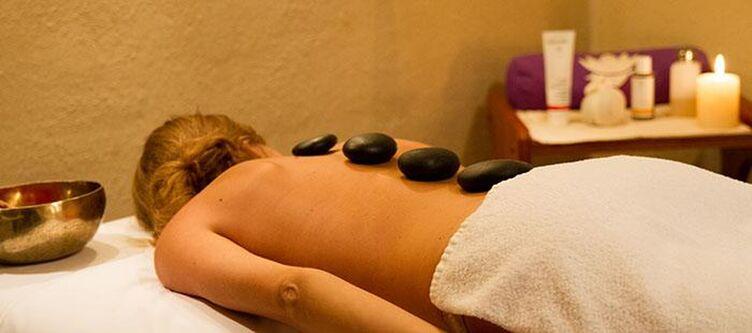 Eden Wellness Hotstones2