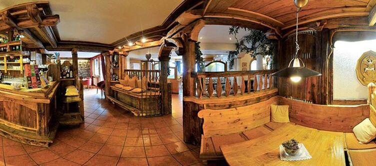 Ellaresh Restaurant2