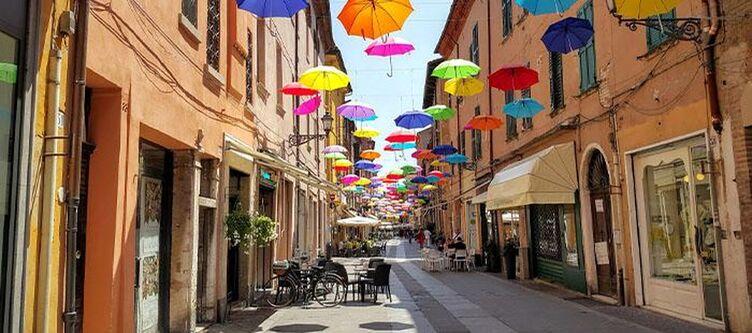 Emilia Romagna Ferrara Regenschirme 1