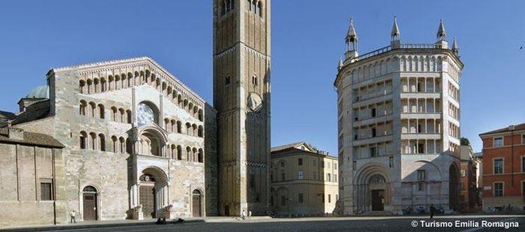 Emilia Romagna Parma Piazza Duomo 2