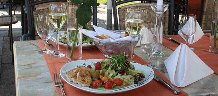 Empfingerhof Terrasse Kulinarik2