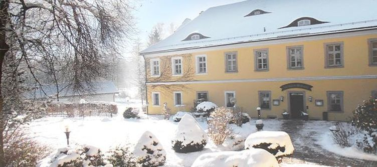 Ernestgruen Hotel Schloss Winter3
