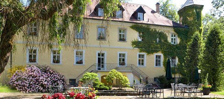 Ernestgruen Hotel Schloss2