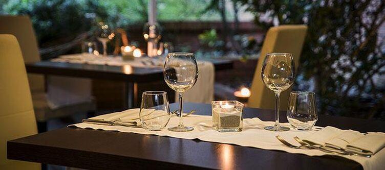 Executive Restaurant3