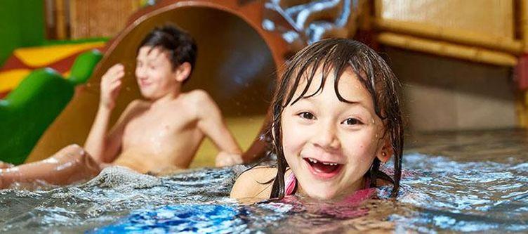 Familotel Wellness Hallenbad Kinder