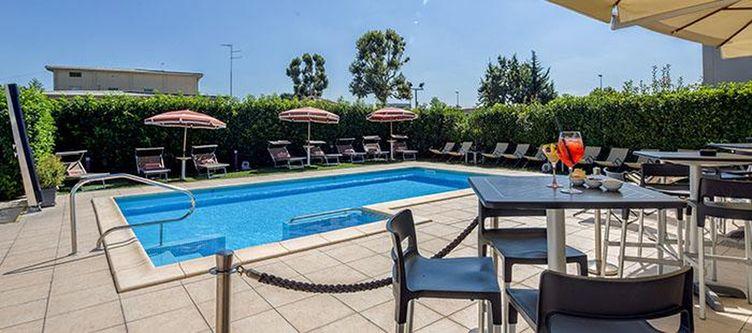 Farnese Pool