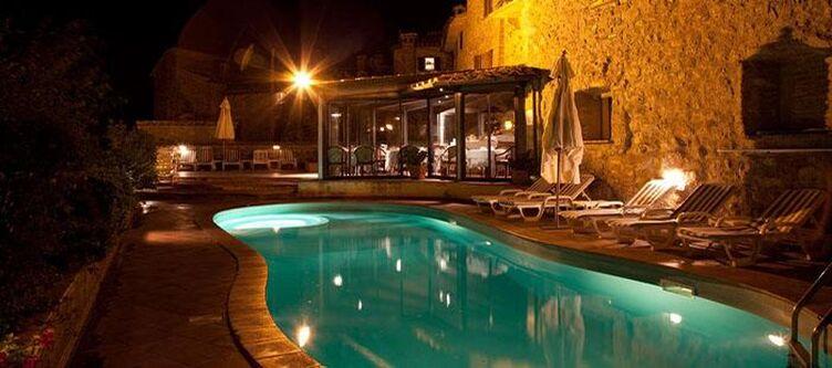 Fattoria Pool Nacht