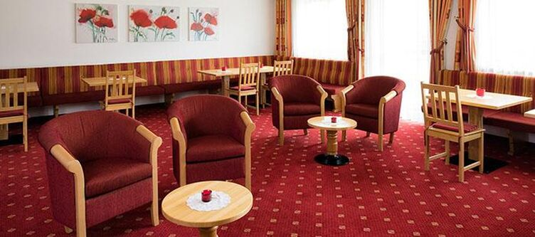 Forer Lounge2