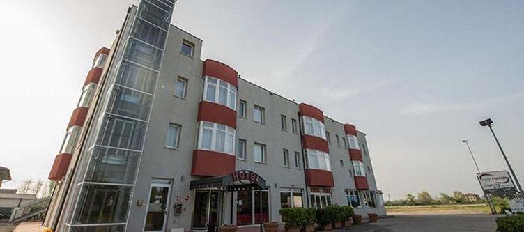 Formula Hotel