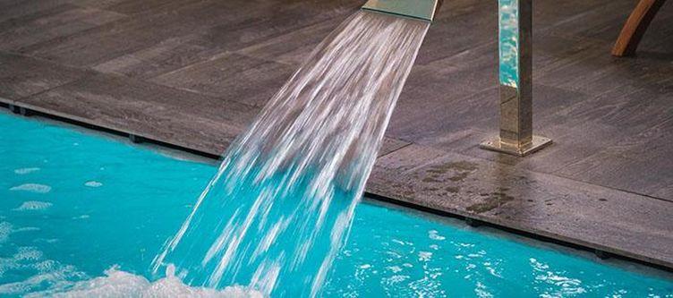 Formula Wellness Hallenbad Waterjet