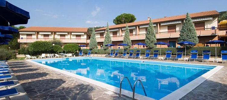 Gabbiano Pool