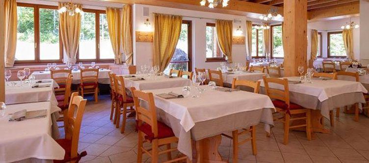 Giasenei Restaurant