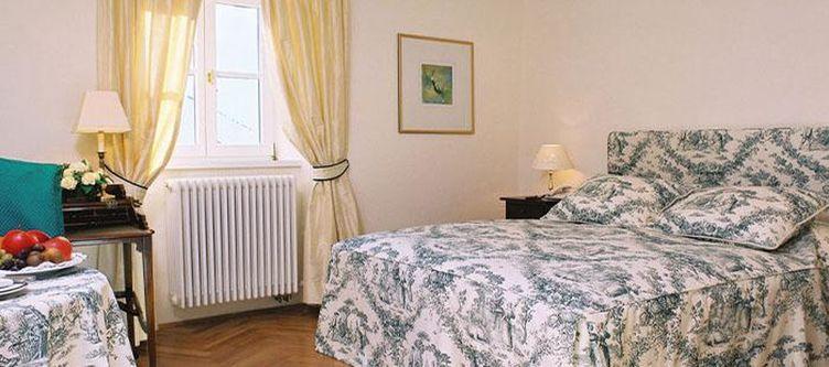 Goldenerengl Zimmer2