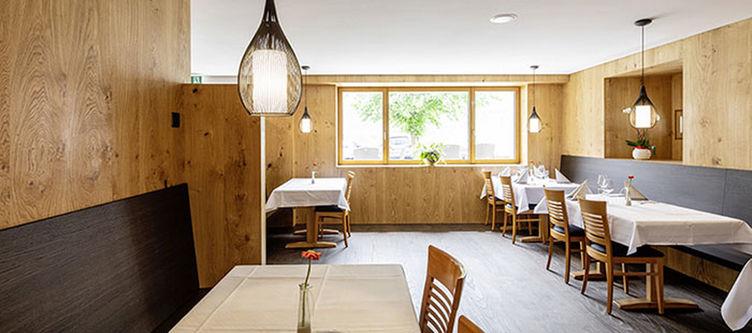 Greina Restaurant4