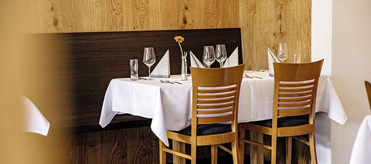 Greina Restaurant6