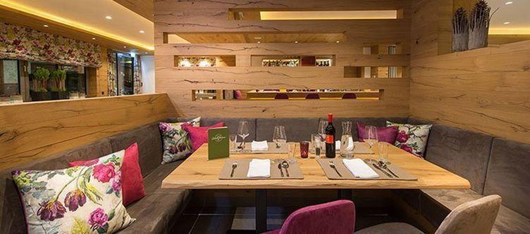 Gruener Baum Restaurant3