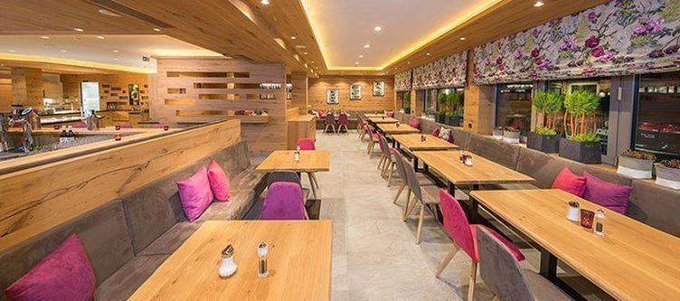 Gruener Baum Restaurant6