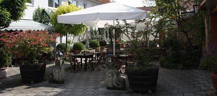 Gruenerwald Gastgarten3