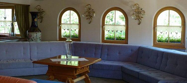 Gruenwald Lounge3