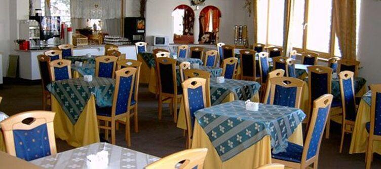 Gruenwald Restaurant2