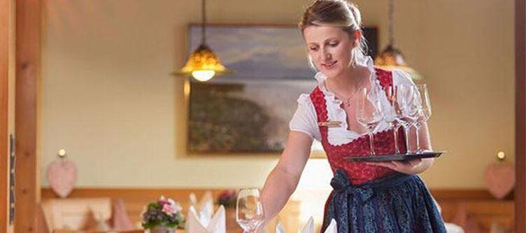 Hachinger Restaurant Kellnerin