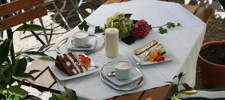 Hansl Cafe