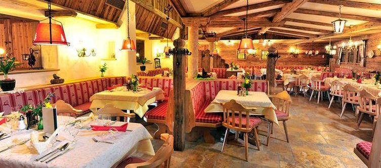 Hauserbauer Restaurant4