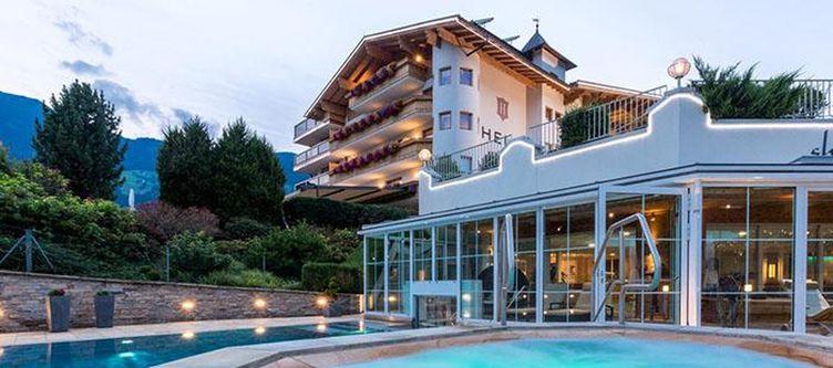 Held Hotel Pool2