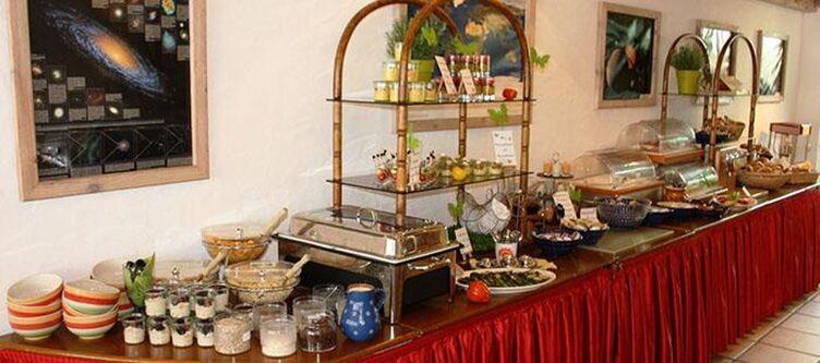 Hirsch Restaurant Buffet