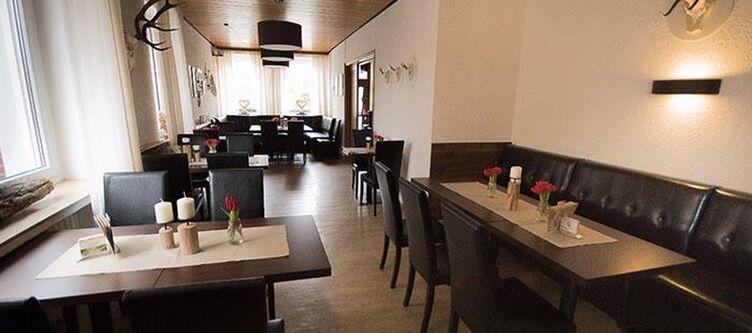Holger Restaurant2