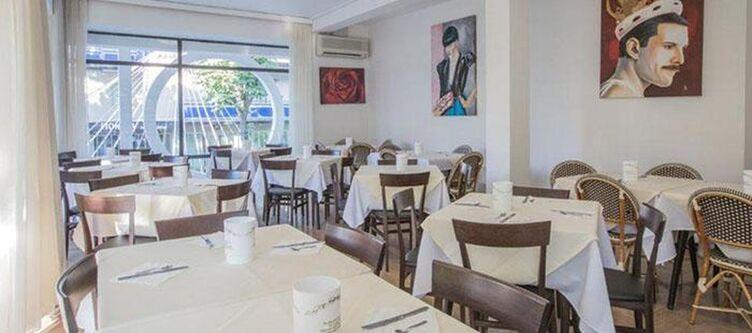 Hollywood Restaurant5