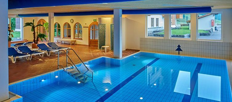 Hostellerie Wellness Hallenbad2