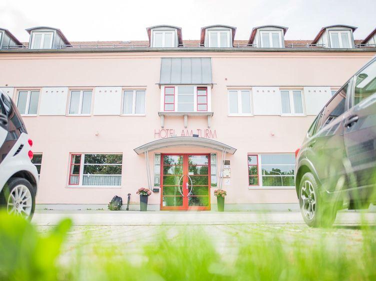 Hotel Turm Kf19jpg 46klein 1 1
