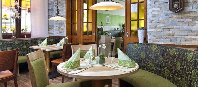 Huetter Restaurant2