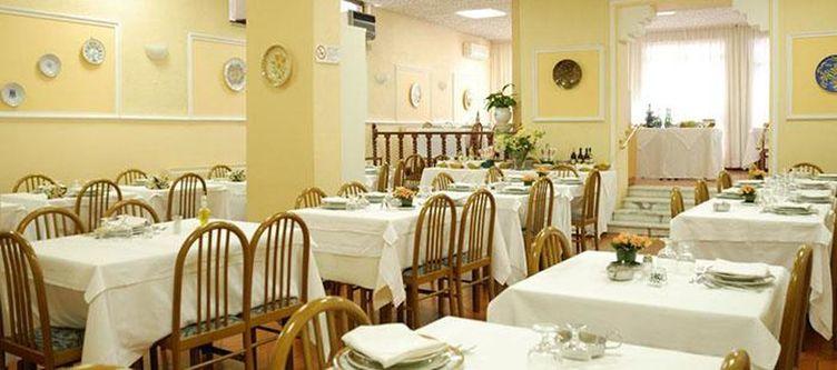 Iris Restaurant2