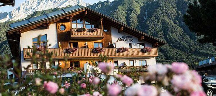 Jaeger Hotel