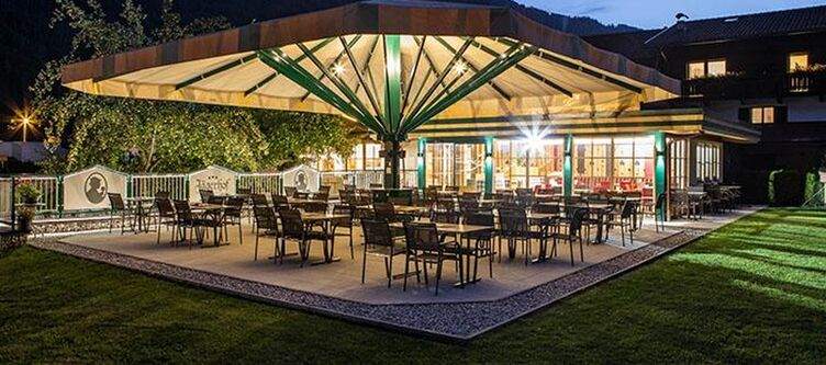 Jaegerhof Terrasse Nacht2