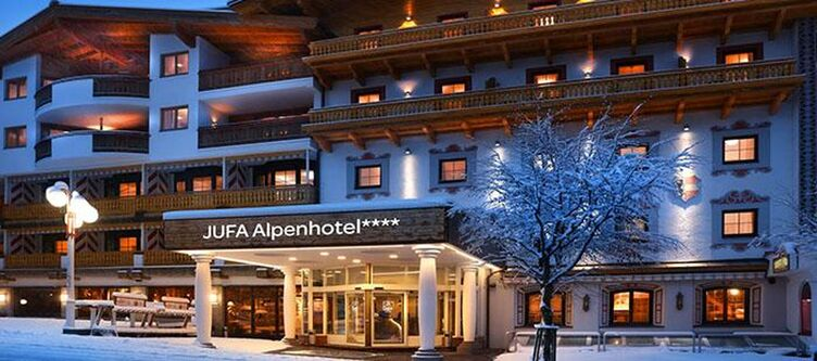 Jufa Saalbach Hotel Winter